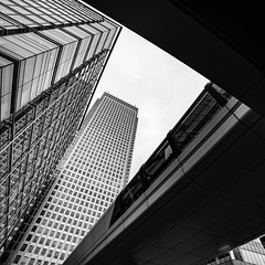 DAN_5013 (dan_c_west) Tags: nikon d750 london city urban uk england architecture building structure bw black white monochrome canary wharf skyscraper