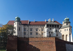Kraków... the castle on the Wawel Hill (marek&anna) Tags: kraków krakow cracow wawel castle hill defensivewalls walls towers