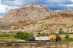 Parachute Local (Kyle Yunker) Tags: union pacific up emd sd402 palisade colorado