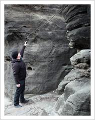 von wegen kleiner! (https://www.norbert-kaiser-foto.de/) Tags: sachsen saxony elbsandsteingebirge sächsischeschweiz gohrisch fels felsen sandstein sandstone geländer wanderweg saxonswitzerland elbesandstonemountains