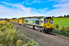 66587 + 66536 - Devils Dyke - 07/10/18. (TRphotography04) Tags: freightliner 66587 66536 topntail hobc set past devils dyke dullingham nmk branch working 1010 stansted north junction parkeston ss gbrf