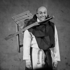 raising smiles (*BegoñaCL) Tags: humor actor clown chair smile blackwhite portrait candid people man begoñacl show