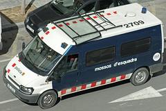 Mossos d'Esquadra (bleulights) Tags: mossos desquadra policia police polizia polizei policía rendőrség 警察 polisie polici شرطة polis полиция poliisi policija seguretat ciutadana seguridad ciudadana public safety straz miejska riot van antidisturbios antiabalots cme 2709 ford transit