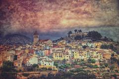 (445/18) Mi propia visión de un pueblo (Pablo Arias) Tags: pabloarias photoshop ps capturendx españa photomatix nubes cielo arquitectura ciudad pueblo proceso hierba iglesia polop alicante