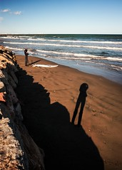 ready to shoot (*BegoñaCL) Tags: beach candid shadow surfer wave sea mediterráneo horizon sand stone rock backlight selfie begoñacl