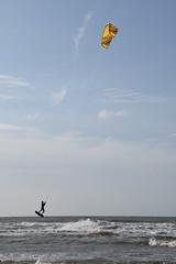 Kitesurfer | Cadzand (Frank Berbers) Tags: watersport kitesurfen kiter kiteboarder tubekites leikites lenkdrachensegeln wassersport kitesurf plancheaérotractée kiteboarding sportdeglisse 2018 zeeland retranchement nederland