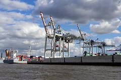 Impressionen aus dem Hamburger Hafen (Frank S (aka Knarfs1)) Tags: hafen harbour hamburg port ship sea see meer deutschland germany