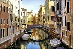 Venezia (Michelecimitan) Tags: michelecimitan venise venezia venice veneto vénétie relets reflections riflessi pont bridge ponte italie italia italy europe europa eau water canal picturesque geotagged