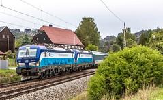 07_2018_09_22_Kurort_Rathen_6193_290_ELOC_ČD_Tedik_mit_6193_296_ELOC_ČD_Maxl_mit_EC ➡️ Praha_Prag (ruhrpott.sprinter) Tags: ruhrpott sprinter deutschland germany allmangne nrw ruhrgebiet gelsenkirchen lokomotive locomotives eisenbahn railroad rail zug train reisezug passenger güter cargo freight fret kurort rathen kurortrathen děčín dresden prag praha prague meisen schöna cd cdc db eloc itl 0642 6146 6185 6189 6193 7371 7372 tedik maxl re20 s1 tier katze logo natur outddor elbtal quitten walnuss baum