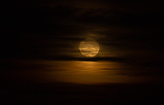 Full Moon and iridescent clouds 24 Oct 2018 (Sculptor Lil) Tags: fullmoon moon london canon700d weather clouds