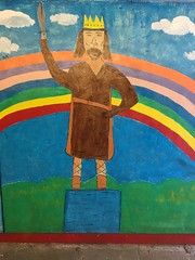 Alfred 'The Great' King of Wessex 871-899AD. A mural by pupils of St Peter's Catholic Primary School Winchester. (Bennydorm) Tags: schoolwork catholic oliversbattery badgerfarm crown clouds rainbow great warrior iphone6s iphone octobre october inghilterra inglaterra angleterre europe city urban uk gb britain wessex england hampshire winchester alfredthegreat alfred king kingalfred colours colourful stpeter's primaryschool painting mural art artwork