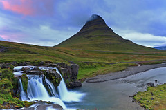 Kirkjufellfoss and mountain at sunset (Red Not Rab) Tags: kirkjufell iceland waterfall mountain landscape sunset nature atmospheric cloud colour