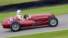 Goodwood Revival (Bernie Condon) Tags: cars race racing motorsports goodwood goodwoodrevival vintage preserved british uk greatbritain sussex