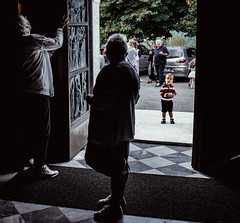 Be always curious like a kid (S.Pompei photo) Tags: people kids streetphotography stphotographia christening reportage child shadows light work italy