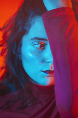 RED (MonttCarver) Tags: red redness redlips girl photography photo portraits people retrato retratos rostro face self selfportrait artist neon