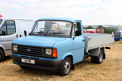 54DK Ford Transit Mk2. (day 192) Tags: ackworth ackworthsteamrally ackworthwatertower steamrally transportrally transportshow truck pickup pickuptruck classicpickuptruck ford transit fordtransit 54dk