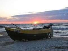 IMG_0418 (felikscat) Tags: sunset see sun nature boat