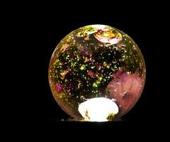 Canica (Alejandro8a) Tags: canica colores macro abstrac light gua glass vidrio esfera bola sphere ball