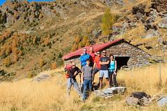 Lo Squadrone (Roveclimb) Tags: mountain montagna alps alpi escursionismo hiking calanca valcalanca rossa calvaresc lagocalvaresc laghdecalvaresc autunno autumn fall season stagione