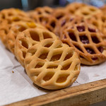 Mini-Gebäck mit Aprikosen-Füllung thumbnail