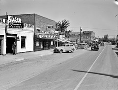 Main street of Nyssa, Oregon. Saturday afternoon, October 1939. (polkbritton) Tags: dorothealange 1930s oregonhistory streetphotography fsaowi libraryofcongresscollections classiccars