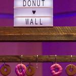 Donut Wand auf dem Bits & Pretzels Festival in München thumbnail