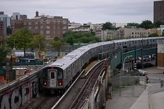 Diving Down (CrispyBassist) Tags: railroad railway train track transit subway nyc nyct nycta newyork newyorkcity newyorkcitysubway newyorkcitytransit bronx