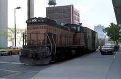 Milwaukee Road Kingsbury 5-7-86 114 (jsmatlak) Tags: chicago milwaukee road railroad train kingsbury ce freight street urban industrial