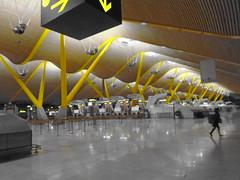 Terminal 4, Barajas airport (sftrajan) Tags: terminal4 barajasairport aeropuerto arquitectura aéroport barajas madrid españa spain luisvidal contemporaryarchitecture parabolic yellow terminal lordrichardrogers antoniolamela richardrogers madridbarajas
