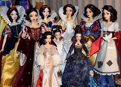 My Desktop Disney Doll Display - Premiere Series Designer Snow White Added - 2018-10-16 (drj1828) Tags: disneystore disneydesignercollection premiereseries 2018 snowwhite snowwhiteandthesevendwarfs purchase 1112inch doll limitededition le4100 deboxed 17inch onceuponatime collection
