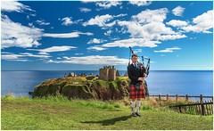 Dunnotar Castle (Cristiano Busato) Tags: dunnotarcastle dunnotar pipe cornamusa scotland scozia aberdeenshire castle sky clouds