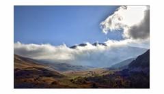 Émergence (Charlottess) Tags: brume hautesalpes nikon5300 septembre automne groupenuagesetciel