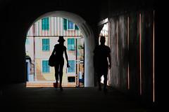 La fortezza (meghimeg) Tags: 2018 savona fortezza priamar arco arch luce light coppia couple silhouette