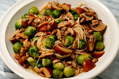 ajillo-of-clams-and-brussels-sprouts-and-mushroom-with-pasta_081018 (kazua0213) Tags: foveon sigma quattro cuisine pasta