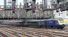 First Great Western . 43029 . Passing Royal Oak LUL Station , West London . Thursday 11th-October-2018 . (AndrewHA's) Tags: london royaloak station greatwestern railway first great western class 43 hst high speed train power car 43029 intercity 125 1c24 paddington bristol taunton express passenger service