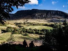 Enjoying Dove Stone's (Craig Hannah) Tags: saddleworth saddleworthmoor greenfield moorland uplands westriding yorkshire 2018 craighannah oldham greatermanchester england uk dovestones dovestonesreservoir chewvalley silhouette brew flask countryside dovestonesquarry walk stroll ramble