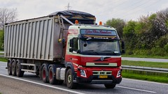 AT70443 (18.05.02, Motorvej 501, Viby J)DSC_6300_Balancer (Lav Ulv) Tags: 246618 volvo volvofmx fmx500 globetrotter e6 euro6 6x4 2015 ejlerchrknudsen bulktipper red green truck truckphoto truckspotter traffic trafik verkehr cabover street road strasse vej commercialvehicles erhvervskøretøjer danmark denmark dänemark danishhauliers danskefirmaer danskevognmænd vehicle køretøj aarhus lkw lastbil lastvogn camion vehicule coe danemark danimarca lorry autocarra danoise vrachtwagen motorway autobahn motorvej vibyj highway hiway autostrada trækker hauler zugmaschine tractorunit tractor artic articulated semi sattelzug auflieger trailer sattelschlepper vogntog oplegger 3axletrailer