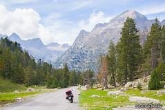 Pirineos (DOCESMAN) Tags: moto bike motor motorcycle motorrad motorcykel moottoripyörä motorkerékpár motocykel mototsikl honda nt700v ntv700 deauville docesman danidoces pirineos pyrenees montaña mountain paisaje landscape