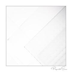 glass (PaquitaSix) Tags: glass minimalisme monochroom highkey lines