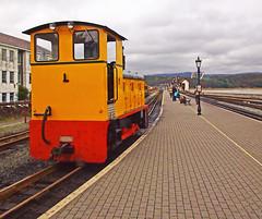 'Castell Cidwm' - Number 9 - Again. (wontolla1 (Septuagenarian)) Tags: barry smith number 9 castellcidwm wales diesel shunter loco locomotive yellow station platform porthmadog
