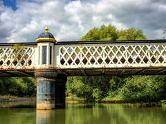 A grand bridge (Digidoc2) Tags: bridge railway railwaybridge historic oxford oxfordcanal water trees canal sky clouds landscape reflections