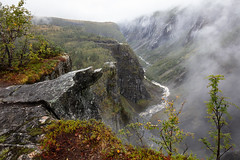 Norwegian Landscape (Role Bigler) Tags: baum canoneos5dsr mist natur nebel norge norwegen tree fluss fog forest nature norway river rock valley wald water wood