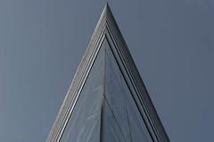Sublime Architecture (ARTUS8) Tags: minimalismus lookingup nikon28300mmf3556 bildkomposition linien modernearchitektur nikond800 abstrakt flickr