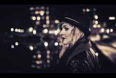 Film Noir XXVI (Passie13(Ines van Megen-Thijssen)) Tags: filmnoir kiki portrait portret night nightscape city weert netherlands canon inesvanmegen inesvanmegenthijssen sigma35mmart