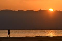 """Delta-terapia"" ...gaudint d'una posta de sol (manel pons) Tags: manelpons deltadelebre vesprada puestadesol postadesol badiaelsalfacs sunset"