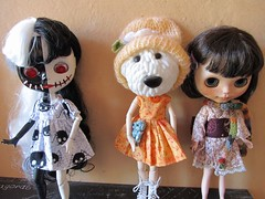 2018-10-17 (11h10) - Toxy, Inner Dog and Mónica (saltwood67) Tags: blythe doll dog