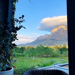 I eaten breakfast with worse views, that's for sure!—————————————————— #breakfast #stellenbosch #africa #southafrica #mountains #apple #iphone #iphoneX #jamiepryerphotography #traveling #awesome_earthpix #wondermore #theglobewanderer #discoverglobe #wande (JamiePryerPhotography) Tags: jamiepryerphorography photography nikon nikkor d800 jamiepryer