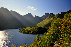Ågvatnet (charlottehbest) Tags: charlottehbest norway scandinavia roadtrip honeymoon 2017 september autumn lofotenislands lofoton exploring fjords nikon nikond5000 d5000 water