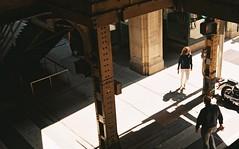 (Red-the-daydreamer) Tags: minolta maxxum 650si af 3570mm kodak ektar 100 street photography