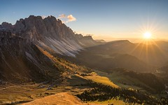 Seceda - The Other Side (Wim Air) Tags: seceda south tyrol sundown sunstar shadow orange red yellow furchetta dolomites sass rigais italy wimairat